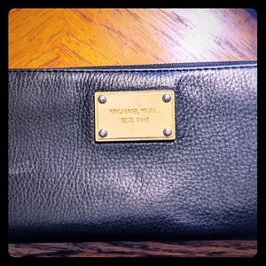 Michael Kors Long Zip Wallet.  Black Leather.